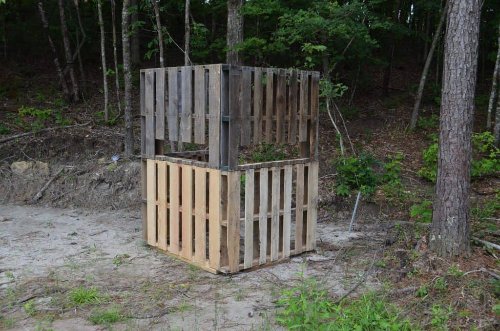 DIY Deer Project: Wood Pallet Ground